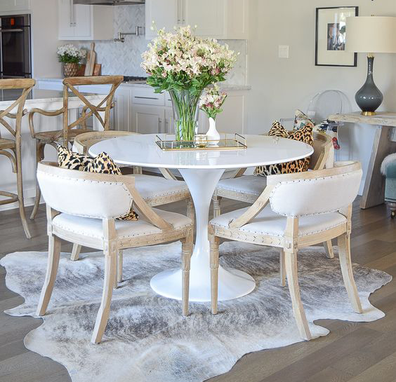 Top 5 Ways To Style A Cowhide Rug In 2020 Cerbernet
